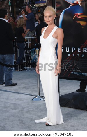 """Actress KATE BOSWORTH at the world premiere of her new movie """"Superman Returns"""" in Los Angeles. June 21, 2006  Los Angeles, CA  2006 Paul Smith / Featureflash"""
