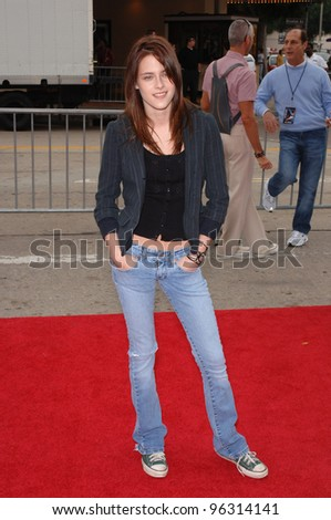 Kristen Stewart Zathura on Kristen Stewart At The Los Angeles Premiere Of Her New Movie Zathura