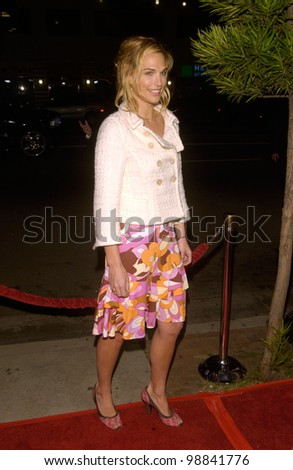Actress MOLLY SIMS at the Los Angeles premiere of Win a Date With Tad Hamilton. January 9, 2004  Paul Smith / Featureflash