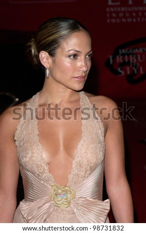 Actress/pop star JENNIFER LOPEZ at the Jaguar Tribute to Style Gala at Santa Monica Airport. 18MAR2001.    Paul Smith/Featureflash