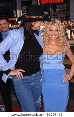 Actress/pop star JESSICA SIMPSON (right) & actress LYNDA CARTER at the Los Angeles premiere of their new movie The Dukes of Hazzard. July 28, 2005 Los Angeles, CA  2005 Paul Smith / Featureflash