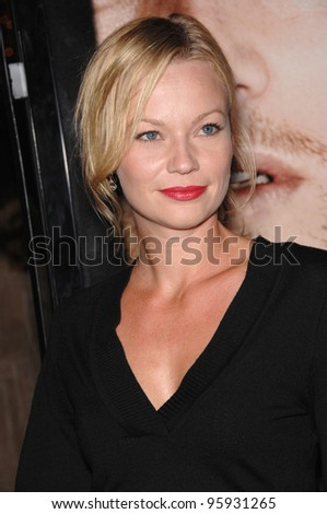 Actress SAMANTHA MATHIS at an industry screening for \