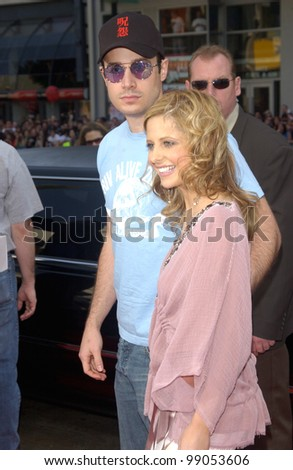 Actress SARAH MICHELLE GELLAR & actor FREDDIE PRINZE JR at the world premiere, in Hollywood, of their new movie Scooby-Doo 2: Monsters Unleashed. March 20, 2004
