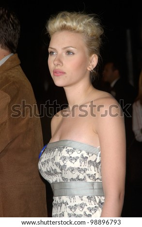 Actress SCARLETT JOHANSSON at the world premiere, in Hollywood, of her new movie The Perfect Score. January 27, 2004