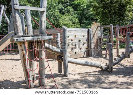 Adventure playground with wooden frames and wire ropes #751500166