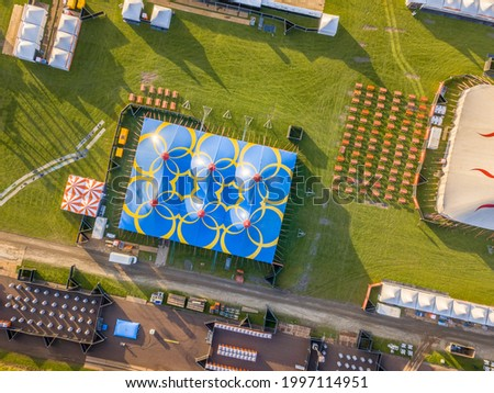 Aerial detail of festival site with toilets, picknick and restaurant area. Crowd management concept. Stockfoto ©