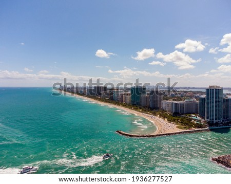 Aerial photo Miami Inlet Bal Harbour Beach and Jetty Foto stock ©