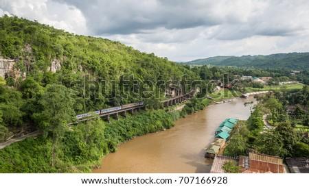 Aerial view Death Railway cave Krasae, Thai Train on River Kwai Bridge Kanchanaburi. Thailand  Foto stock ©