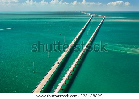 stock photo aerial view looking west along the seven mile bridge of us to the florida keys 328168625 - Каталог — Фотообои «Мосты»