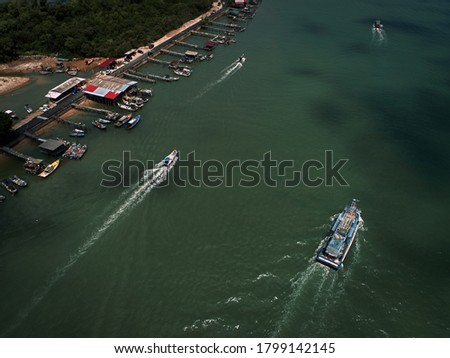 Aerial view of boats and vessels in a river. Photo stock ©