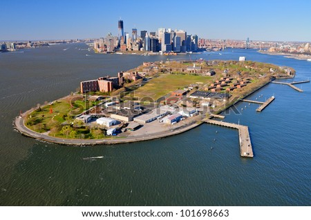 Aerial view of Governors Island and Manhattan