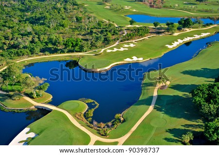 aerial view of nicely manicured florida golf course