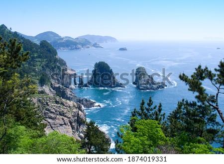 Aerial view of Samyeodo Rocks of Yokjido Island at Hallyeohaesang National Park near Tongyeong-si, South Korea  Zdjęcia stock ©