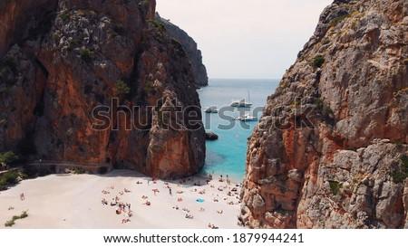 aerial view of small beach of Mediterranean sea, between cliffs, Sa Calobra, Torrent De Pareis beach,Serra De Tramuntana, Mallorca, Spain,. High quality photo Foto stock ©