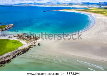 Aerial view of the awarded Narin Beach by Portnoo and Inishkeel Island in County Donegal, Ireland. Stok fotoğraf ©