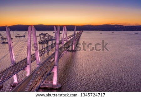 Aerial view of the New Tappan Zee Bridge, spanning Hudson River between Nyack and Tarrytown at dusk (with copy space) Stockfoto ©