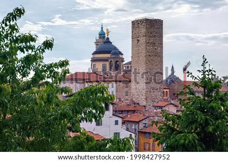 Aerial view of the old historical buildings in Upper Bergamo (Citta Alta). Italy. Foto d'archivio ©