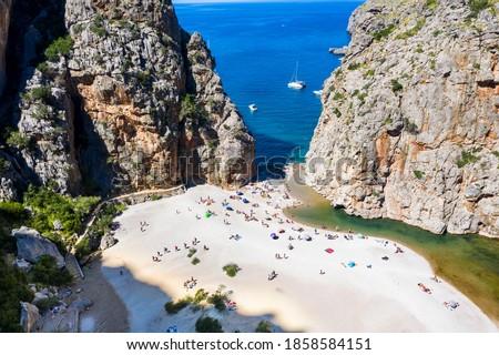 Aerial view Sa Calobra, Torrent de Pareis gorge, Serra de Tramuntana, Mallorca, Balearic Islands, Spain, Foto stock ©