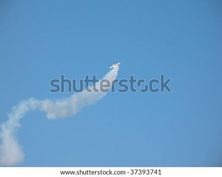 Aerobatic team making loopings in the air