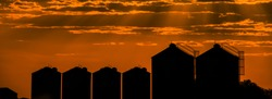 Agricultural silos, storage and drying for sunflower, soy, corn, wheat and grains.