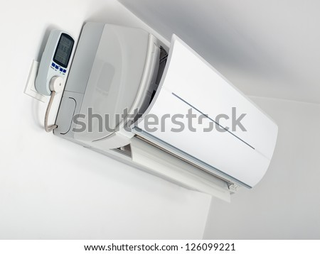 Air-conditioner is plugged on the energy measurement device.