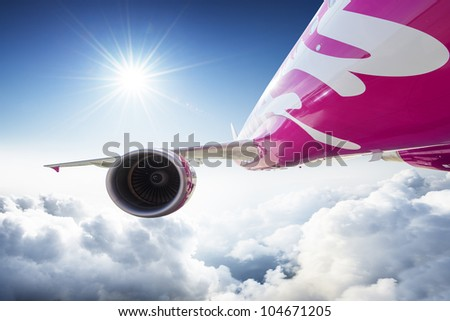 Aircraft / airplane in the sky - dynamic view