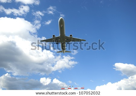 airplane approach at frankfurt airport
