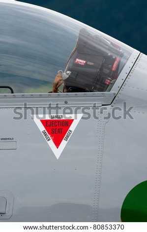 airplane ejection seat