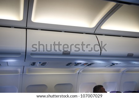airplane locker overhead stowage