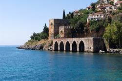 Alanyas' mediterranean coastline and Ottoman castle (Turkey)