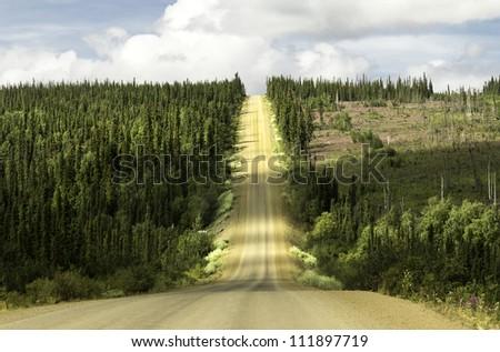 Alaska, raw gravel road to Arctic Circle