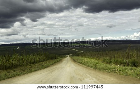 Alaska, raw gravel road to Arctic Circle
