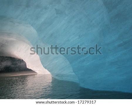 alaskan Ice cave, valdez glacier