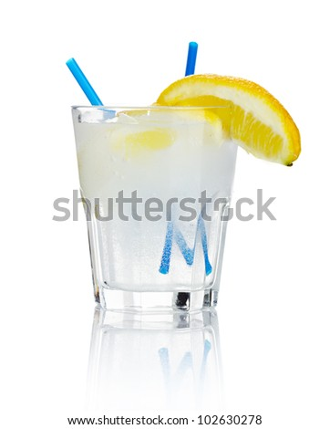 Alcohol cocktail 'gin tonic' isolated on white background