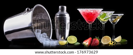 alcohol cocktail set on a black Berry cooler cocktail martini mojito
