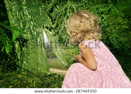 Alice found a rabbit's hole in the old tree in the fairy forest