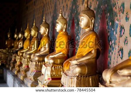 aligned buddha