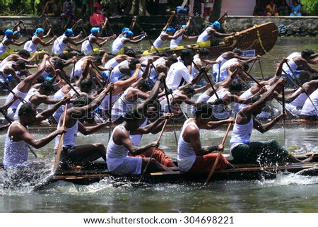 ALLEPPEY, INDIA - AUG 08 : Snake boat team competing in the most popular Nehru Trophy Boat race held in August 08, 2015 in Alleppey,Kerala, India