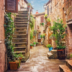 Alley in old town Pitigliano, Tuscany, Italy