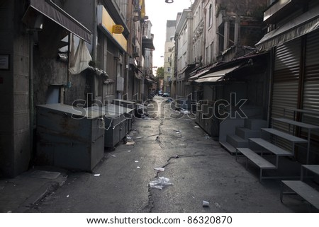 Alley with a garbage in Istanbul, Turkey Stockfoto ©