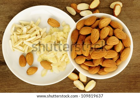 almond and sliced almond in white dish
