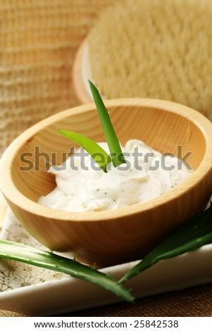 aloe face cream with fresh aloe - beauty treatment