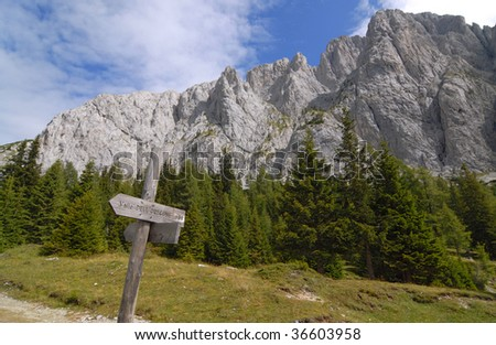 Alpine hiking trails hints along a trail on Italian Dolomites