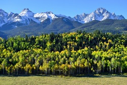 Alpine scenery of Colorado during foliage season