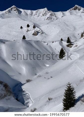 Alpine ski run at Champery - Portes du Soleil Photo stock ©