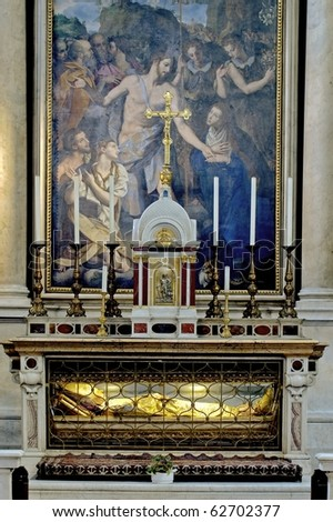 altar of a church of florence
