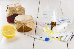 Alternative methods of treatment of cold: tablets, drops, honey, jam, lemon