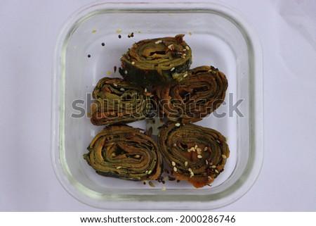 Alu chi vadi, aluwadi, colocasia leaf roll, patra, Indian food Stok fotoğraf ©