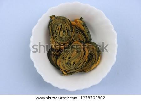 Alu vadi, Colocasia steamed rolls, snack  Stok fotoğraf ©