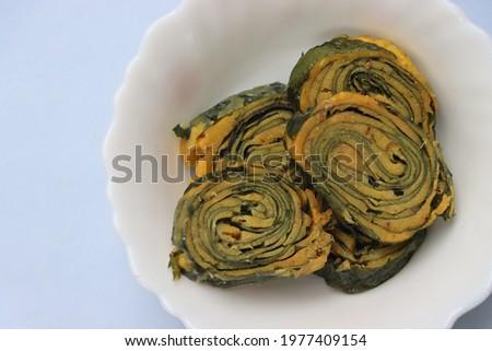 Alu vadi, patra, colocasia steamed rolls, Indian traditional snack Stok fotoğraf ©